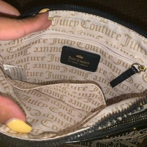 Juicy Couture Bags - NEW Juicy Couture Cross my heart Crossbody